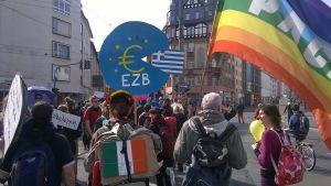 Invigningen av den europeiska centralbankens nya skyskrapa ledde till massiva demonstrationer i Frankfurt.