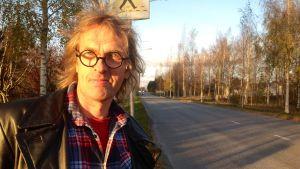 Andy Sundqvist, nära den plats där han var med om en svår olycka år 1973
