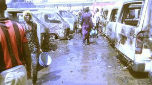 Åtminstone 23 personer dödades i en bombattack mot busstationen i Gombe i nordöstra Nigeria den 31.10.2014. Boko Haram misstänks ligga bakom.