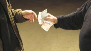 pengar byter hand