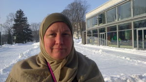 porträtt på pia jardi en snöig vinterdag