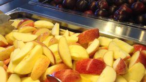 äppel och plommon