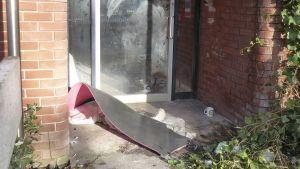 En uteliggares sovplats utanför ett hus i den engelska staden Preston.
