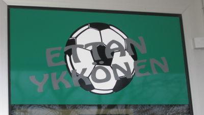 EIF logo vid kansli i Ekenäs