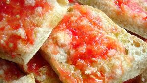 Pan con tomate - leipää tomaattimurskalla