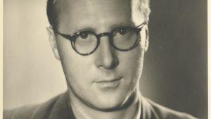 Kirjailija Martti Larni