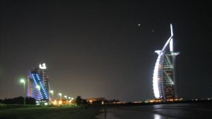 Jumeirah Beach Hotel och Burj Al Arab