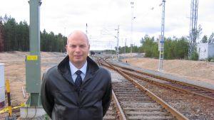 Hamndirektör Torbjörn Witting säger att trafiken till hamnen ökar tack vara flera räls