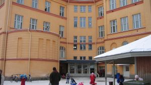 Lågstadieelever på Cygnaeus i Åbo