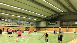 Innebandyturnering, match mellan Strömborgska skolan och Helsinge skola.