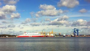 Tallinkfartyg i Nordsjö hamn.