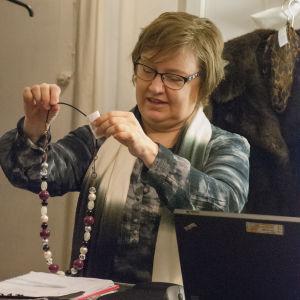 Arja Rinne tycker att småföretagens framtid borde tryggas med lagförändringar