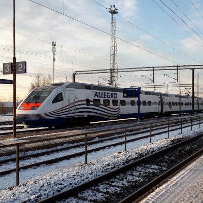 Allegro-juna Lappeenrannan asemalla