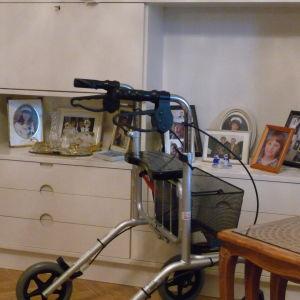 Hemma hos Gurli Nurmi finns många fotografier av barnbarn och barnbarnsbarn