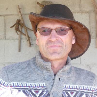 bild på John Johansson som bor på Kalvön i Borgå