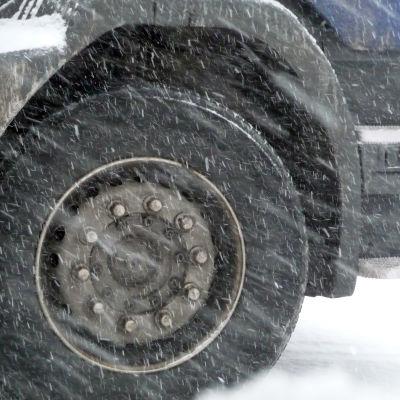Däck i snöyra.