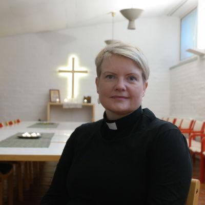 Studentpräst Mia Pusa i Åbos campukapell