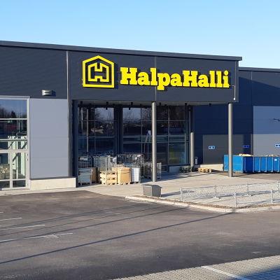 Halpa-Hallin Vaasan uusi myymälä