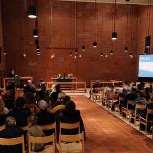 Gudstjänst i Matteuskyrkan.