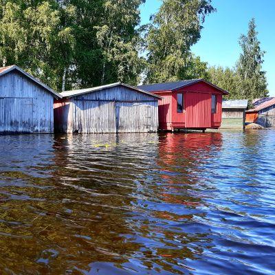 Venevajoja Padasjoen Maakeskessä.
