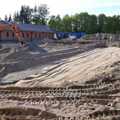Lappeenrannan Rakuunamäen päiväkodin rakennustyöt ovat käynnistyneet maanrakennustöillä.