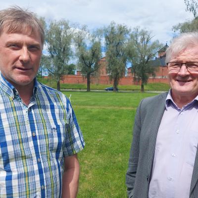 Jari Koskinen (Kok.) ja Johannes Koskinen (SDP)
