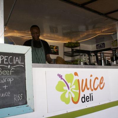 Matbilen Juice Deli hittas i Woodstock, Kapstaden designhuvudstad