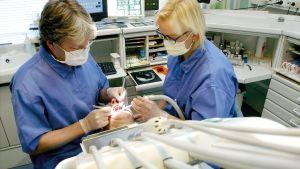 Patient hos tandläkaren.