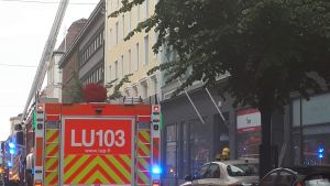 En brandbil på Eriksgatan i Helsingfors.