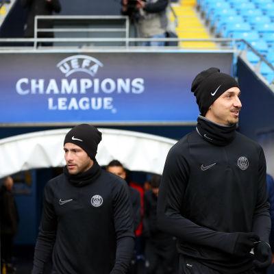 Zlatan Ibrahimovic tränade i går på matcharenan i Manchester.
