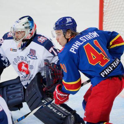 Antti Pihlström debytoi Jokeri-kannattajien edessä ensi kertaa Torpedo-ottelussa.