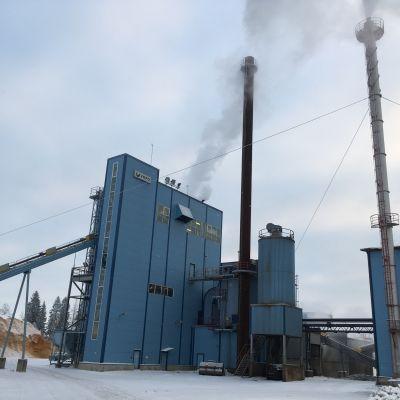 Vapon pellettitehdas Ilomantsissa joulukuussa 2018.
