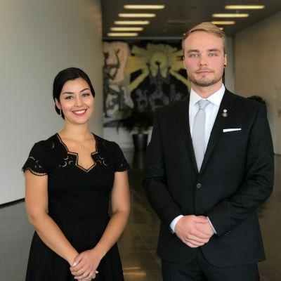 Nuoret lääkärit Christa Huuskonen ja Artturi Kesti