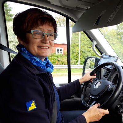 Paula Markko ajaa taksia