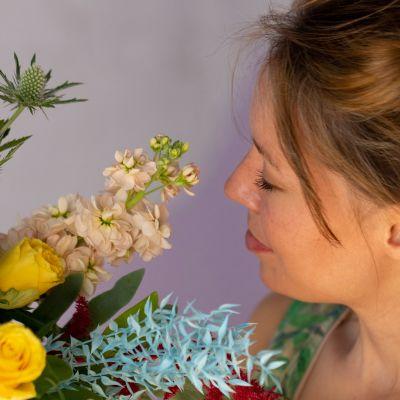 Floristi ja kukkia.
