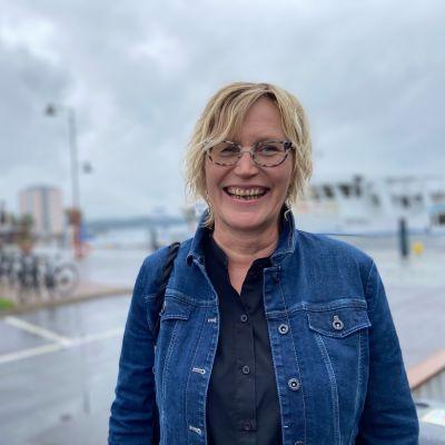 Savonlinnan  Seudun Matkailun toimitusjohtaja Jaana Komi iloitsee kaikkien aikojen matkailukesästä.