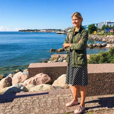 Porträtt på företagaren och Östersjöentusiasten Amanda Sundell vid Eirastranden.