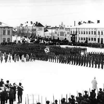 Jägarmarsch på Vasa torg, 1918