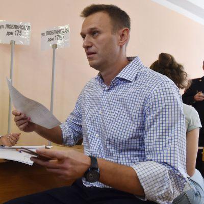 Navalnyj lägger sin röst i kommunalvalet i Moskva på lördagen.