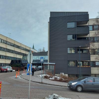 Salon sairaalan rakennuksia.