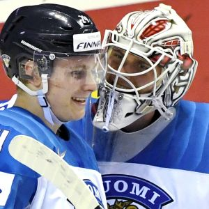 Kaapo Kakko och Kevin Lankinen.