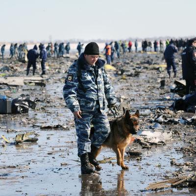 Passagerarplan från Dubai kraschade i samband med landningen i staden Rostov-na-Donu i sydvästra Ryssland natten till den 19 mars 2016.