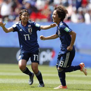 Mana Iwabuchi firar sitt mål.