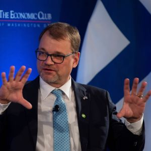 Statsminister Juha Sipilä talade inför ekonomiska påverkare på hotellet Ritz-Carlton i Washinton DC på måndagen.
