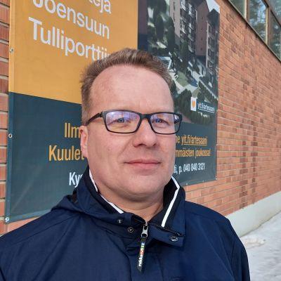 YIT:n aluepäällikkö Juha Kapanen.