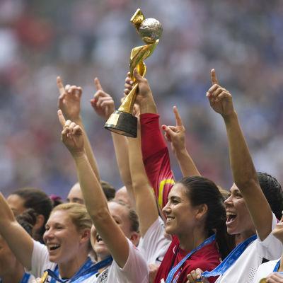 USA firar VM-guldet i Vancouver i juli 2015.