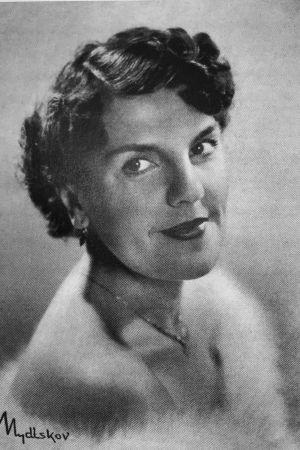 Oopperalaulaja Liisa Linko-Malmio vuonna 1957.