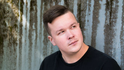Dokumenttiohjaaja ja -tuottaja Sami Kieksi.