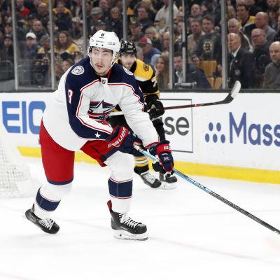 Zach Werenski spelar ishockey i NHL för Columbus.