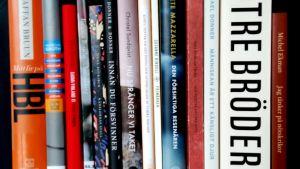 En rad med finlandssvenska böcker som utkommit åren 2018-2019.
